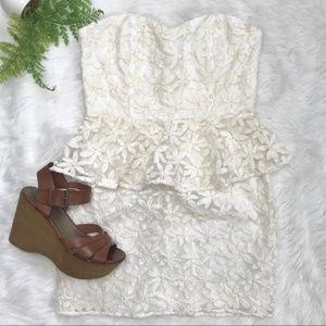 Pins and Needles Daisy Lace Strapless Peplum Dress